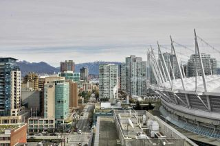 """Photo 12: 2508 928 BEATTY Street in Vancouver: Yaletown Condo for sale in """"THE MAX by CONCORD PACIFIC"""" (Vancouver West)  : MLS®# R2047968"""
