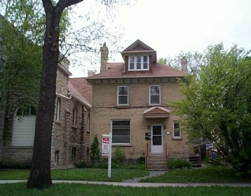 Main Photo: 177 NASSAU Street North in WINNIPEG: Fort Rouge / Crescentwood / Riverview Duplex for sale (South Winnipeg)  : MLS®# 2407129