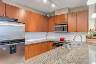 "Photo 10: 704 11 E ROYAL Avenue in New Westminster: Fraserview NW Condo for sale in ""VICTORIA HILL"" : MLS®# R2543301"