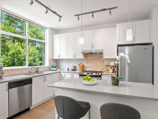 """Photo 10: 38371 SUMMITS VIEW Drive in Squamish: Downtown SQ Townhouse for sale in """"THE FALLS AT EAGLEWIND"""" : MLS®# R2587853"""