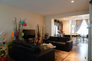Photo 3: 8023 22 Avenue in Edmonton: Zone 53 House for sale : MLS®# E4265173