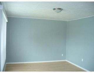 Photo 2: 1608 WILLIAM AV W: Residential for sale (Canada)  : MLS®# 2910663