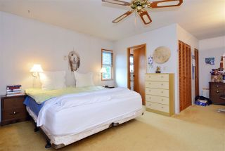 """Photo 9: 2958 KIDD Road in Surrey: Crescent Bch Ocean Pk. House for sale in """"Crescent Beach"""" (South Surrey White Rock)  : MLS®# R2039219"""