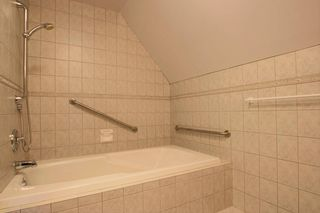 Photo 16: Langara Ave in Vancouver: Point Grey House for rent (Vancouver West)  : MLS®# AR122