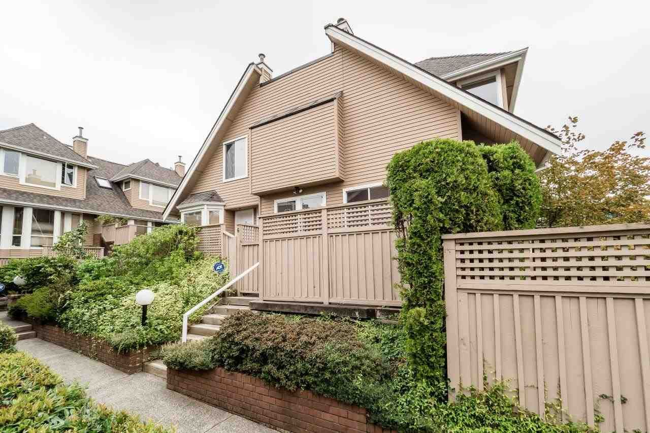 Main Photo: 6 220 E KEITH Road in North Vancouver: Central Lonsdale Townhouse for sale : MLS®# R2106540