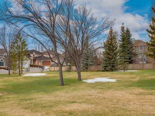 Photo 4: 67 Sierra Morena Circle SW in Calgary: Signal Hill Detached for sale : MLS®# C4239157