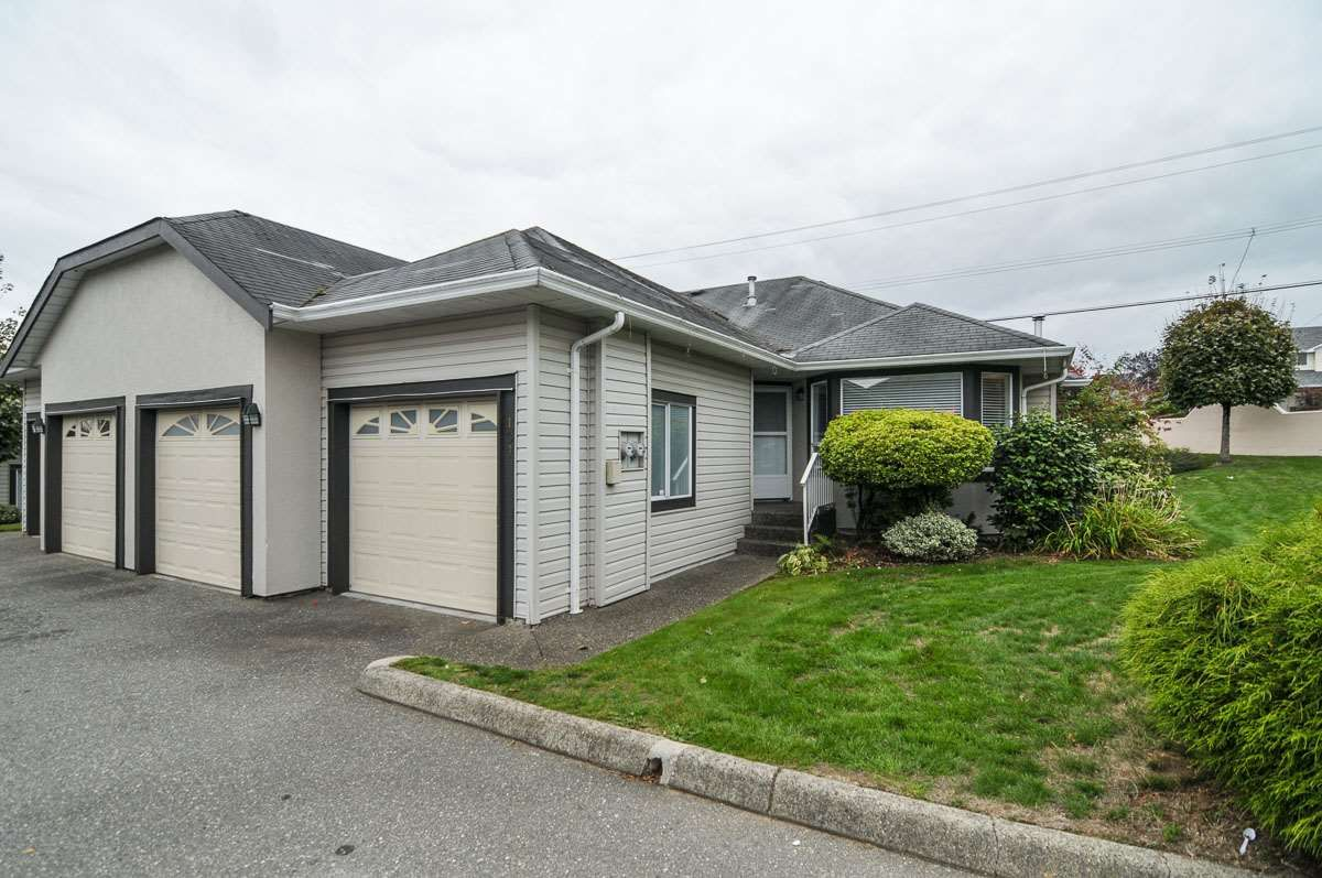 """Main Photo: 101 3160 TOWNLINE Road in Abbotsford: Abbotsford West Townhouse for sale in """"SOUTHPOINT RIDGE"""" : MLS®# R2022408"""