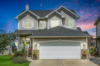 Photo 1: 88 COUGARSTONE Manor SW in Calgary: Cougar Ridge Detached for sale : MLS®# A1022170