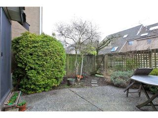 Photo 2: 7 237 W 16TH Street in North Vancouver: Central Lonsdale Townhouse for sale : MLS®# V1043211