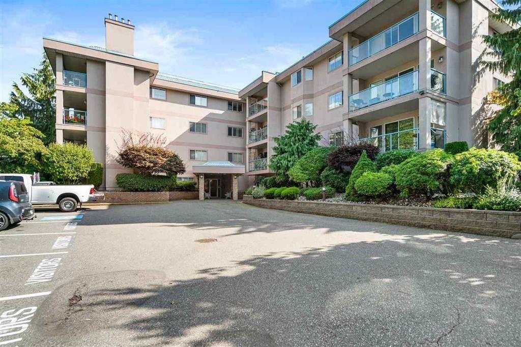 """Main Photo: 107 33110 GEORGE FERGUSON Way in Abbotsford: Central Abbotsford Condo for sale in """"Tiffany Park"""" : MLS®# R2575880"""