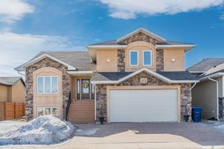 Photo 1: 213 Clubhouse Boulevard East in Warman: Residential for sale : MLS®# SK845756