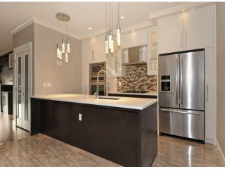 Photo 7: A 234 E 18TH Street in North Vancouver: Central Lonsdale 1/2 Duplex for sale : MLS®# V1069556