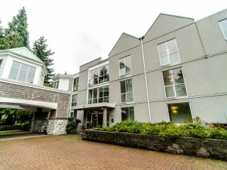 """Photo 4: 210 8450 JELLICOE Street in Vancouver: South Marine Condo for sale in """"THE BOARDWALK"""" (Vancouver East)  : MLS®# R2406380"""
