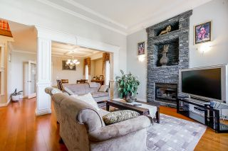Photo 2: 6175 127A Street in Surrey: West Newton House for sale : MLS®# R2616840