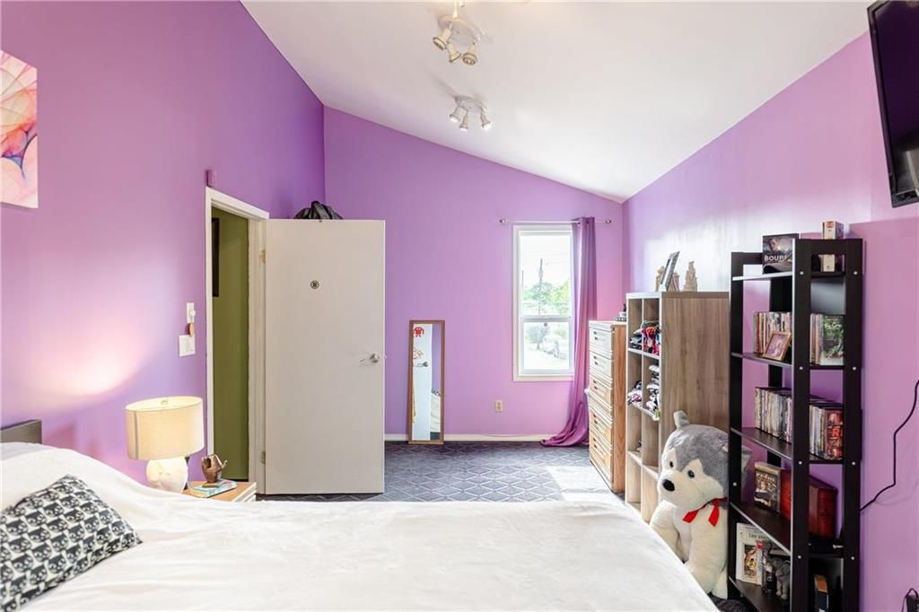 Photo 21: Photos: 805 Madeline Street in Winnipeg: West Transcona Residential for sale (3L)  : MLS®# 202114224