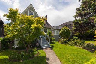 """Photo 2: 2706 W 41ST Avenue in Vancouver: Kerrisdale House for sale in """"Kerrisdale"""" (Vancouver West)  : MLS®# R2583541"""
