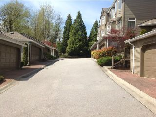 """Photo 13: 8828 ROBINS Court in Burnaby: Forest Hills BN Townhouse for sale in """"PRIMROSE HILL"""" (Burnaby North)  : MLS®# V1059645"""