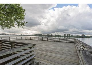 "Photo 18: 38 11067 BARNSTON VIEW Road in Pitt Meadows: South Meadows Townhouse for sale in ""COHO"" : MLS®# R2279856"