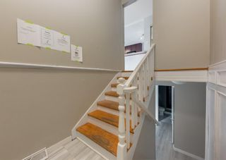 Photo 2: 340 Acadia Drive SE in Calgary: Acadia Detached for sale : MLS®# A1149991