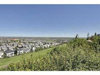 Photo 1: 147 EDGEBROOK Circle NW in Calgary: 2 Storey for sale : MLS®# C3580214