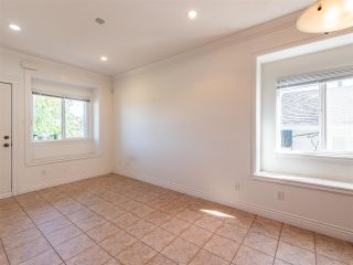 Photo 16: 10 WARWICK Avenue in Burnaby: Capitol Hill BN House for sale (Burnaby North)  : MLS®# R2603486