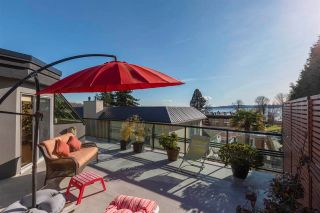 """Photo 3: 843 PARKER Street: White Rock House for sale in """"East Beach"""" (South Surrey White Rock)  : MLS®# R2590791"""