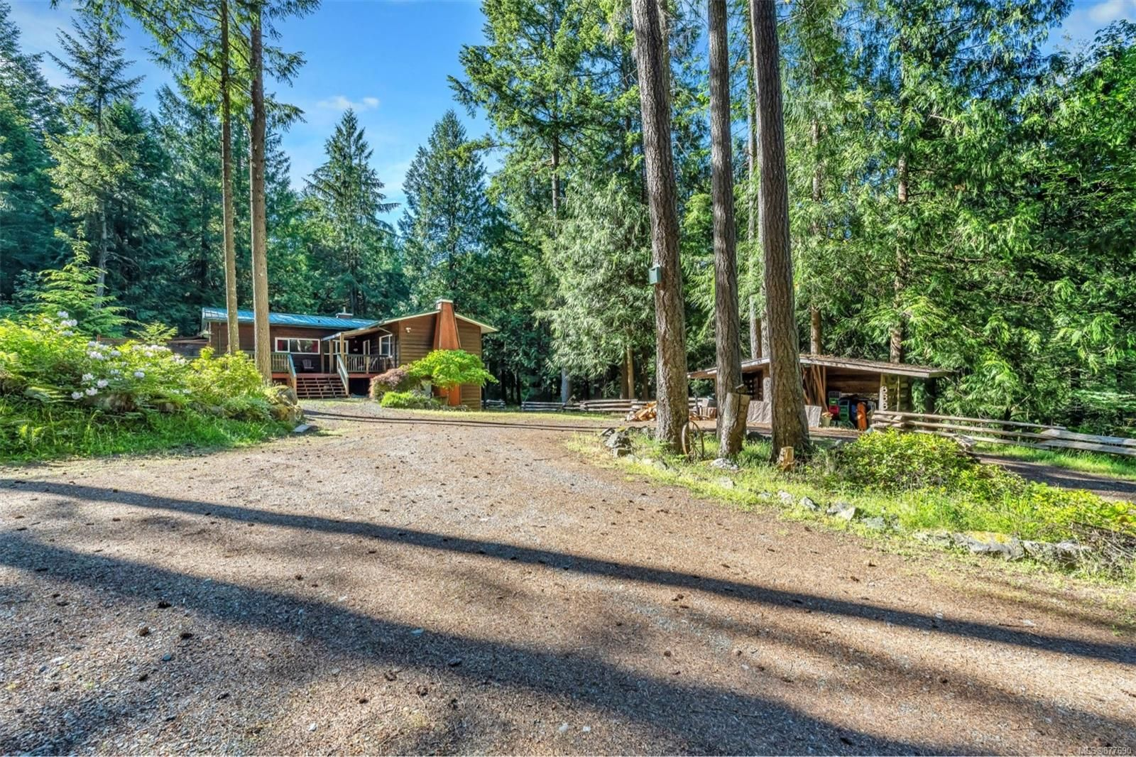 Main Photo: 1752 Peerless Rd in : ML Cobble Hill House for sale (Malahat & Area)  : MLS®# 877690