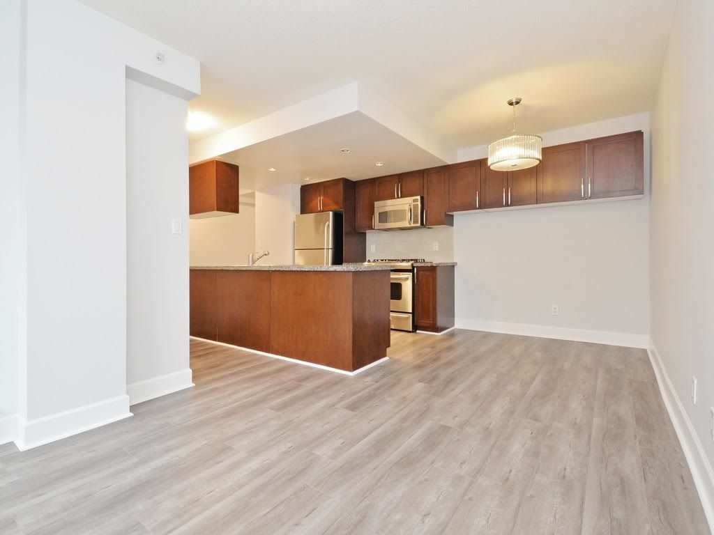 """Photo 4: Photos: 403 3811 HASTINGS Street in Burnaby: Vancouver Heights Condo for sale in """"MONDEO"""" (Burnaby North)  : MLS®# R2119090"""
