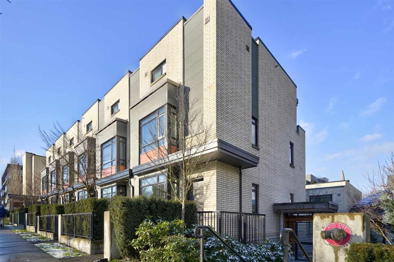 """Main Photo: 1 593 W KING EDWARD Avenue in Vancouver: Cambie Townhouse for sale in """"KING EDWARD GREEN"""" (Vancouver West)  : MLS®# R2539639"""