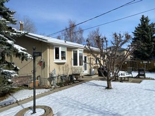 Photo 2: 4317 Shannon Drive in Olds: House for sale : MLS®# A1097699