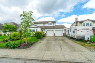 """Photo 2: 32082 ASHCROFT Drive in Abbotsford: Abbotsford West House for sale in """"Fairfield Estates"""" : MLS®# R2576295"""