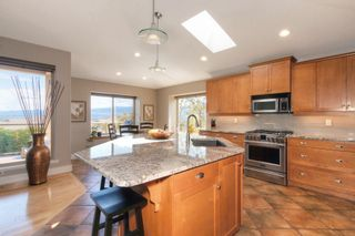 Photo 5: 3433 Ridge Boulevard in West Kelowna: Lakeview Heights House for sale (Central Okanagan)  : MLS®# 10231693