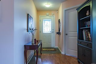 Photo 2: 9 2728 1st St in : CV Courtenay City Row/Townhouse for sale (Comox Valley)  : MLS®# 880301