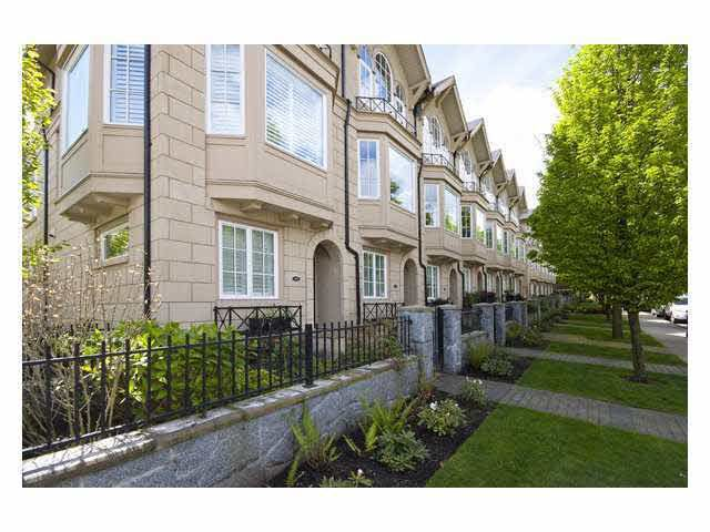 Main Photo: 910 W 13TH AVENUE in : Fairview VW Townhouse for sale : MLS®# V827769