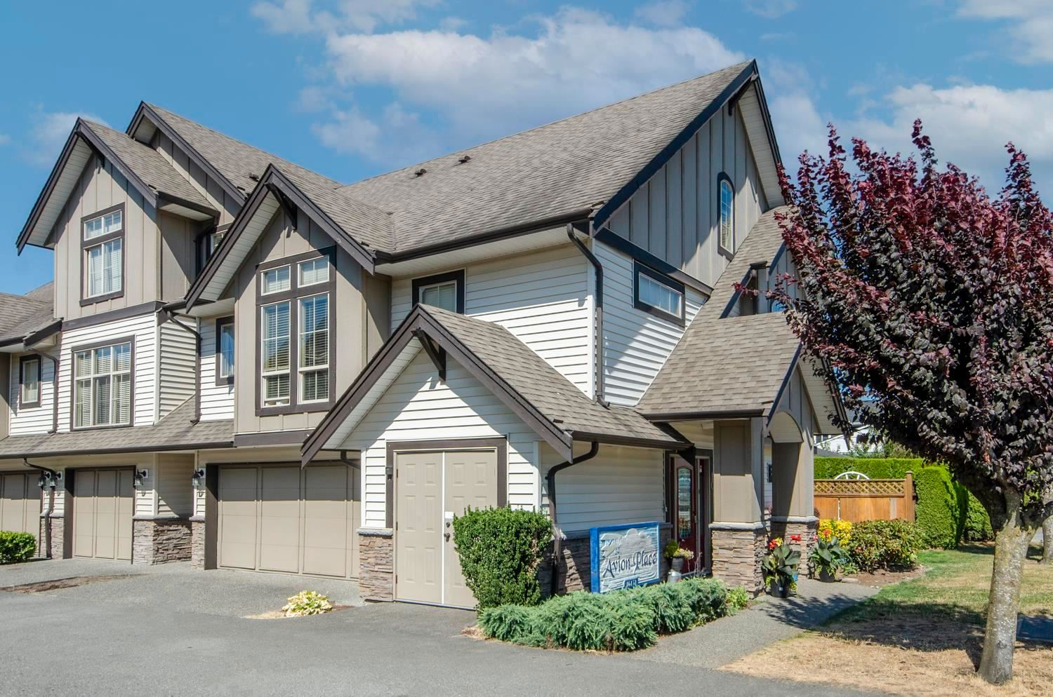 """Main Photo: 10 46151 AIRPORT Road in Chilliwack: Chilliwack E Young-Yale Townhouse for sale in """"AVION PLACE"""" : MLS®# R2603703"""
