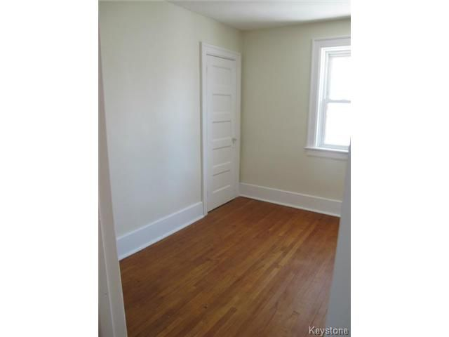 Photo 13: Photos:  in WINNIPEG: North End Residential for sale (North West Winnipeg)  : MLS®# 1404958