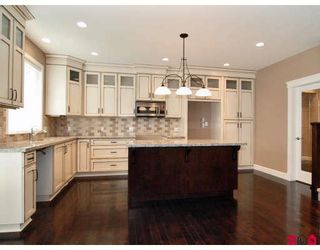"""Photo 2: 21186 83A Avenue in Langley: Willoughby Heights House for sale in """"YORKSON"""" : MLS®# F2805996"""