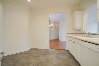 """Photo 10: 207 3098 GUILDFORD Way in Coquitlam: North Coquitlam Condo for sale in """"Malborough House"""" : MLS®# R2449072"""