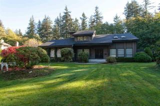 """Photo 2: 2694 141 Street in Surrey: Sunnyside Park Surrey House for sale in """"WOODSHIRE PARK"""" (South Surrey White Rock)  : MLS®# R2476300"""