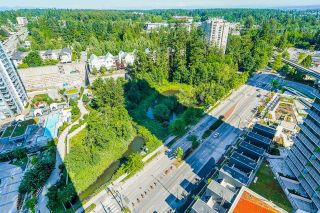 """Photo 20: 2105 9981 WHALLEY Boulevard in Surrey: Whalley Condo for sale in """"PARK PLACE"""" (North Surrey)  : MLS®# R2597250"""