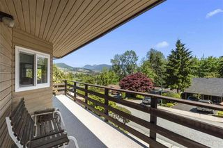 """Photo 5: 3225 SAIL Place in Coquitlam: Ranch Park House for sale in """"Ranch Park"""" : MLS®# R2455319"""
