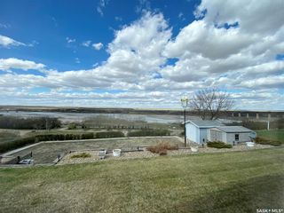 Photo 2: 49 Tufts Crescent in Outlook: Residential for sale : MLS®# SK855880