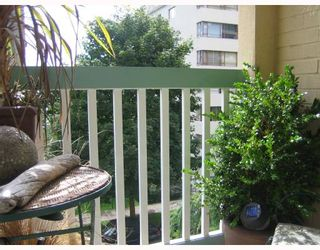 """Photo 8: 410 1125 GILFORD Street in Vancouver: West End VW Condo for sale in """"GILFORD COURT"""" (Vancouver West)  : MLS®# V661697"""