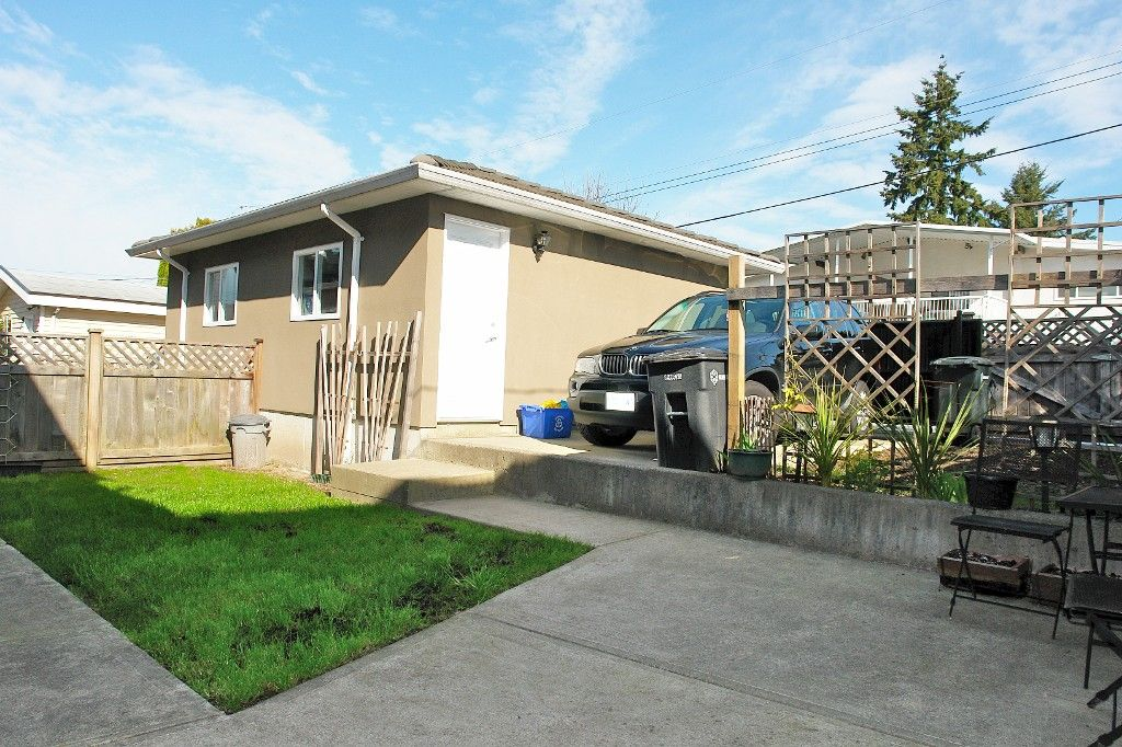 Photo 22: Photos: 4355 HURST ST in Burnaby: Metrotown 1/2 Duplex for sale (Burnaby South)  : MLS®# V1003439