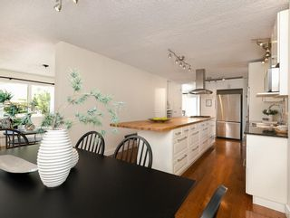 Photo 10: 2203 PALISWOOD Bay SW in Calgary: Palliser House for sale : MLS®# C4186167