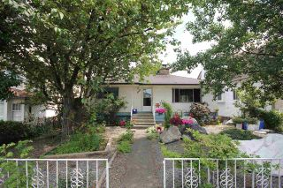 Photo 1: 8142 15TH Avenue in Burnaby: East Burnaby House for sale (Burnaby East)  : MLS®# R2287707