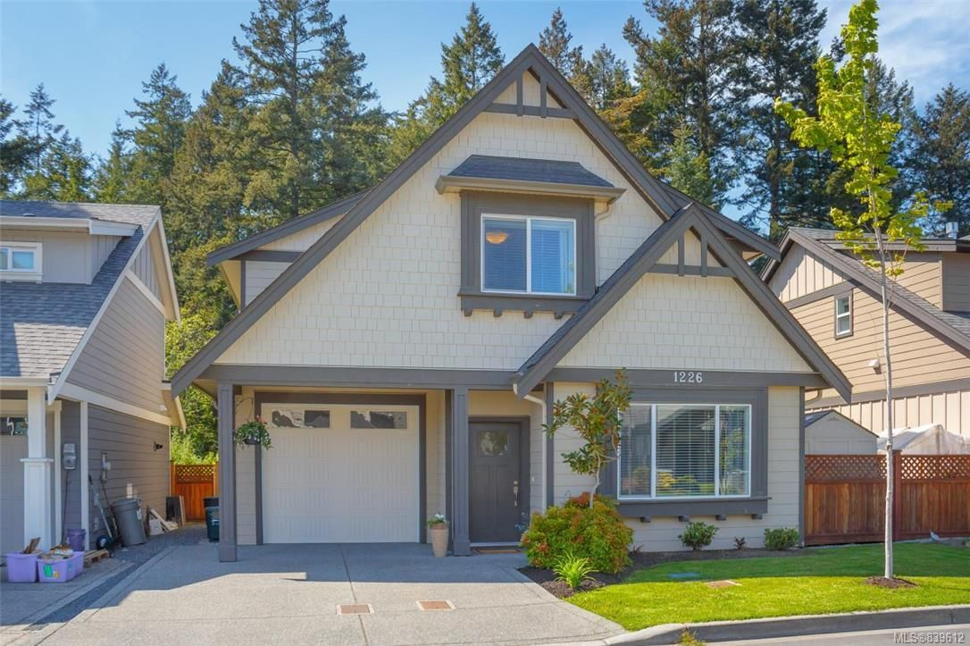Main Photo: 1226 McLeod Pl in Langford: La Happy Valley House for sale : MLS®# 839612