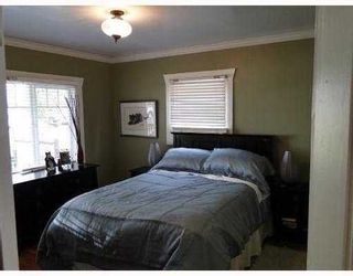 Photo 8: 145 27TH Street E in North Vancouver: Home for sale : MLS®# V895331