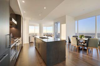 Photo 3: 4401 10360 102 Street in Edmonton: Zone 12 Condo for sale : MLS®# E4219512