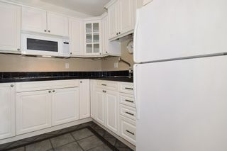 "Photo 3: 202 436 SEVENTH Street in New Westminster: Uptown NW Condo for sale in ""REGENCY COURT"" : MLS®# R2099658"
